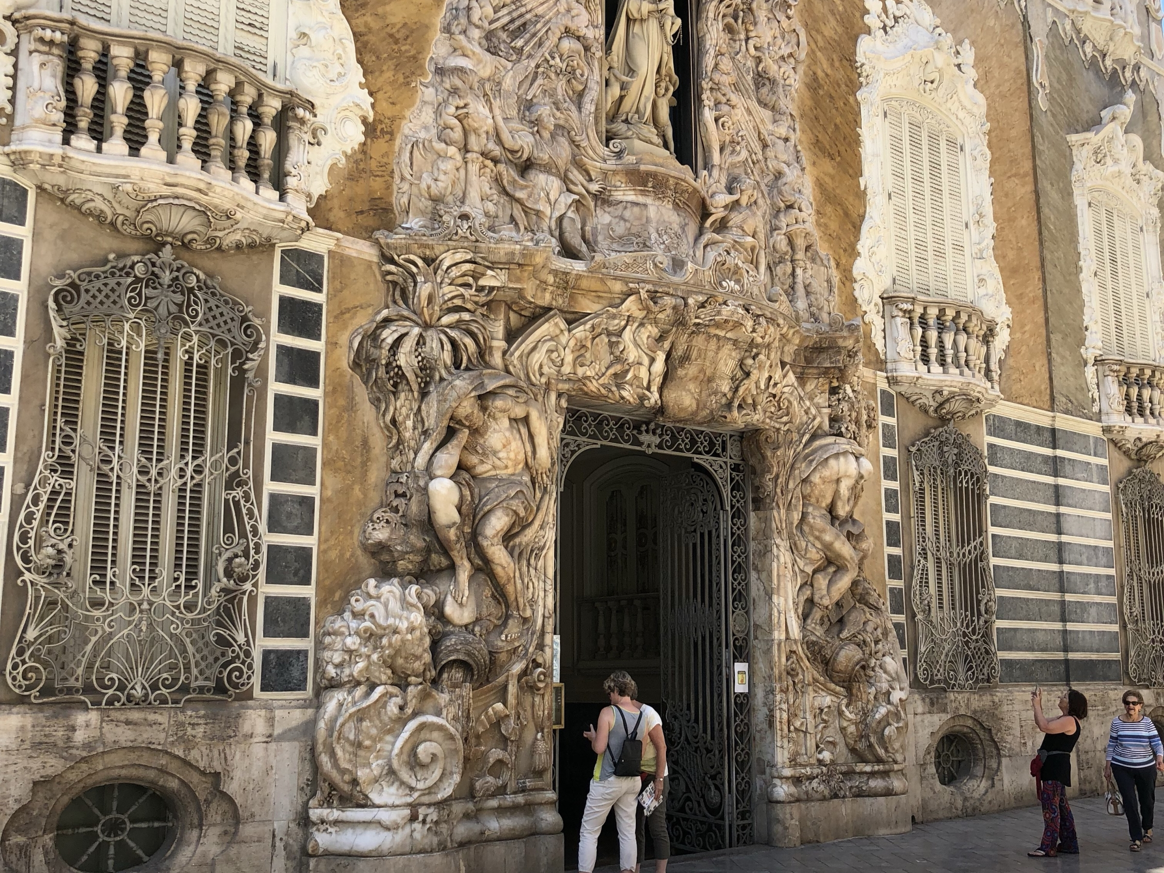 Museo Nacional De Ceramica.El Museo Nacional De Ceramica Y Artes Suntuarias Ernesto S Place